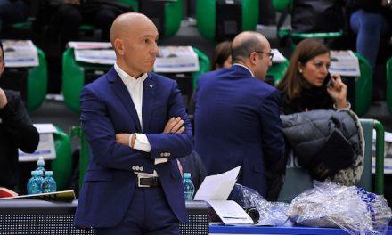 """Sassari, Sardara su Pozzecco: """"Deve imparare a gestire certi momenti con più professionalità"""""""