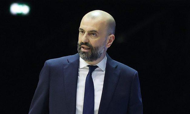 """Il prepartita di Brescia-Cantù: Buscaglia: """"Dovremmo mettere in campo determinazione"""". Bucchi: """"Vogliamo invertire subito la rotta"""""""